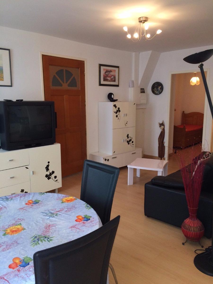 location appartement 3 pieces clim centre ville collioure collioure. Black Bedroom Furniture Sets. Home Design Ideas